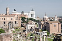 A view of the Forum, Monuments, an skyline from Rome´s Palatine Hill.