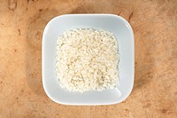 Short_grain rice in dish from above