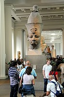 Colossal head of Amenhotep III, the Egyptian sculpture gallery at the British Museum, London, Londres, United Kingdom, Royaume-Uni, England