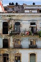 Cuba, Havana Vieja, apartment building