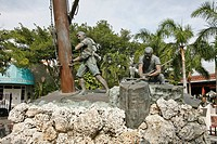 STATUE OF A SHIPWRECK SCENE, KEY WEST, FLORIDA, UNITED STATES, USA