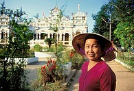 Asia, South Vietnam, Mekong Delta,Vinh Trang pagoda,portrait