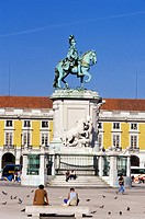 Portugal, Lisbon, Praça do Comercio, statue of Josè I