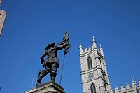 Canada, Quebec, Montreal, the Notre Dame Basilica at the Place d´Armes in Old town with a statue of Maisonneuve, the city´s original founder