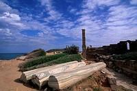 LIBYA, NEAR TRIPOLI, LEPTIS MAGNA, COLUMNS