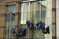 Japan, Tokyo, window cleaners