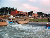 Located on the banks of the Catawba River in Charlotte, N.C., the U.S. National Whitewater Center is the world´s largest artificial whitewater river a...