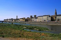 Italy, Tuscany, Florence, Arno River.