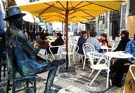 Portugal, Lisbon, Chiado, A Brasileira cafe, the statue of the poet Fernando Pessoa