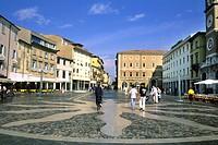 Italy, Emilia Romagna, Rimini, Piazza Tre Martiri