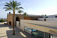 Es Baluard, a museum with modern architecture integrated in the old city wall Bastio de Sant Pere, Placa Porta Santa Catalina, Palma de Mallorca, Majo...