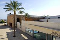 Es Baluard, a museum with modern architecture integrated in the old city wall Bastio de Sant Pere, Placa Porta Santa Catalina, Palma de Mallorca, Majo...