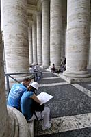 St. Peter´s square, Bernini´s colonnade. Vatican city. Rome, Italy.