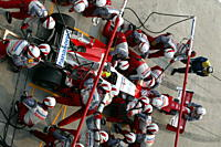 Car racing, Ralf Schumacher, Toyota, Formel 1 2005, Race driver, pit stop, Malaysia, photographer: Daniel Reinhard