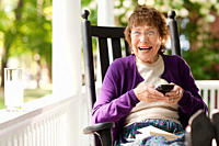 Senior woman using cellphone (thumbnail)