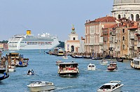 Venice  Italy  Cruise ship & traffic on the Grand Canal / Canal Grande