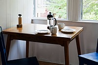 Breakfast table (thumbnail)
