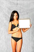bikini sexy brunette