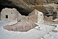Spruce Tree House, a cliff dwelling of the Native American Indians, about 800 years old, Mesa Verde National Park, UNESCO World Heritage Site, Colorad...