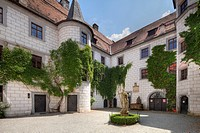 Inner courtyard of the Moated Castle of Mitwitz, Upper Franconia, Franconia, Bavaria, Germany, Europe