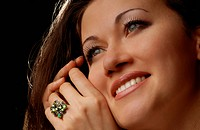Glad lady with ring