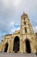 Cathedral in Plaza de Alfonso II el Casto, Oviedo, Asturias, Spain