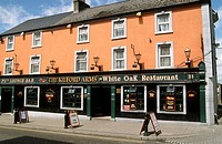Ireland, Kilkenny, John Street, bar, restaurant,