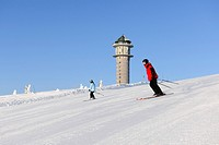 Skiers at Feldbergturm Tower on Mt Feldberg, southern Black Forest, Baden-Wuerttemberg, Germany, Europe