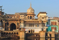 India, Uttar Pradesh, Mathura, Early morning on the banks of the Yamuna.