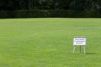 German, Keep off the grass sign, Munich, Germany