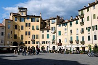Piazza Anfiteatro square, Lucca, Tuscany, Italy, Europe