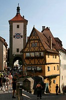View from the Untere Schmiedgasse lane on the Ploenlein building and the Sieberturm tower, historic Rothenburg ob der Tauber, Bavaria, Germany, Europe