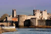 King John's Castle and the River Shannon, Limerick, County Limerick, Munster, Republic of Ireland Eire Europe