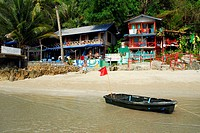 Independent Bo guesthouse, boat on White Sand Beach, Hat Had Sai Khao, Koh Chang Island, National Park Mu Ko Chang, Trat, Gulf of Thailand, Thailand, ...