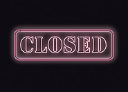 Closed sign in neonlights