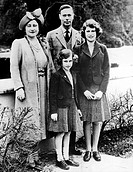The Royal Family, Queen Elizabeth later the Queen Mother, King George VI, Princess Elizabeth, Princess Margaret front, on El