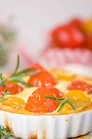 Cherry tomatoes baked as pie