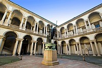 Italy, Lombardy, Milan, Brera Art Accademy, Courtyard with statue of Napoleon by Antonio Canova