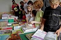 DISCOVERING NEW WORKS AT THE BOOKSTORE, BOOK FAIR, LA FERTE_VIDAME, EURE_ET_LOIR 28, FRANCE