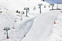 Telesillas en la estación de esquí del valle de Boí - Pyrenees - Lleida Province - Catalonia - Cataluña - Spain
