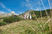 Austria, Salzburg Country, Filzmoos, Family hiking on alpine