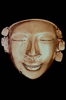 ANDEAN ART: COLOMBIAN MASK.Quimbaya, Colombia. Height: 12 cm.
