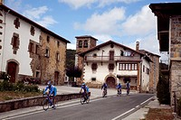 Cyclysts by Basaburua  Navarra  Spain