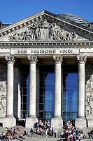 Reichstagsgebaeude in Berlin, Sitz des Deutschen Bundestags. Reichstag in Berlin, seat of the German federal parliament Deutscher Bundestag.