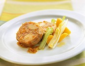 Macerated rabbit with peaches and lettuce