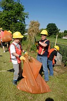 Roadside clean up, middle school, community service