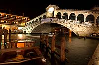 The Canale Grande and Rialto Bridge, Venice, Veneto, Italy, Europe