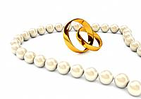 Pearl´s necklace with gold rings
