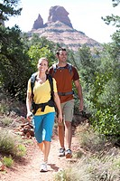 USA, Arizona, Sedona, Young couple hiking