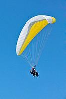 Tandem paragliders